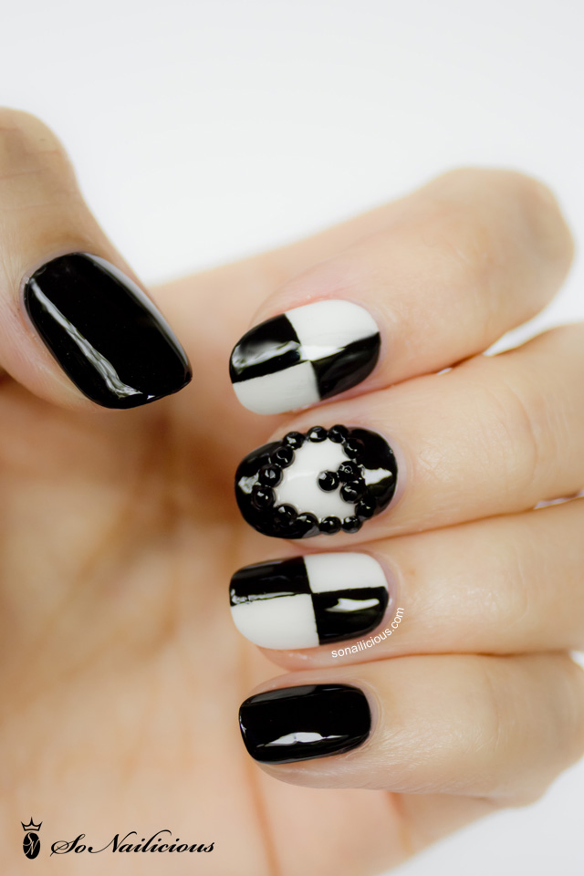 3D nails, black and white nails