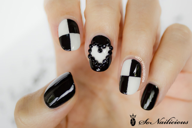 3D nails black and white