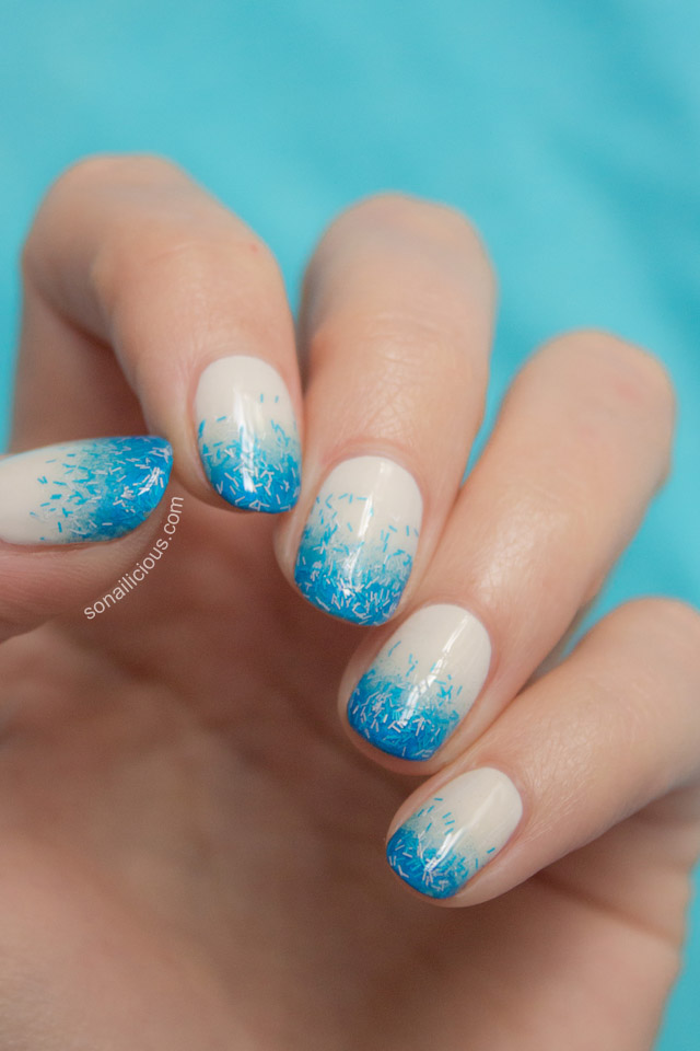 blue gradient nails
