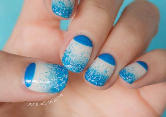 blue nails, gradient nails