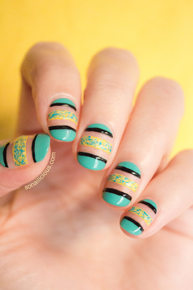nail art design with textured polsih