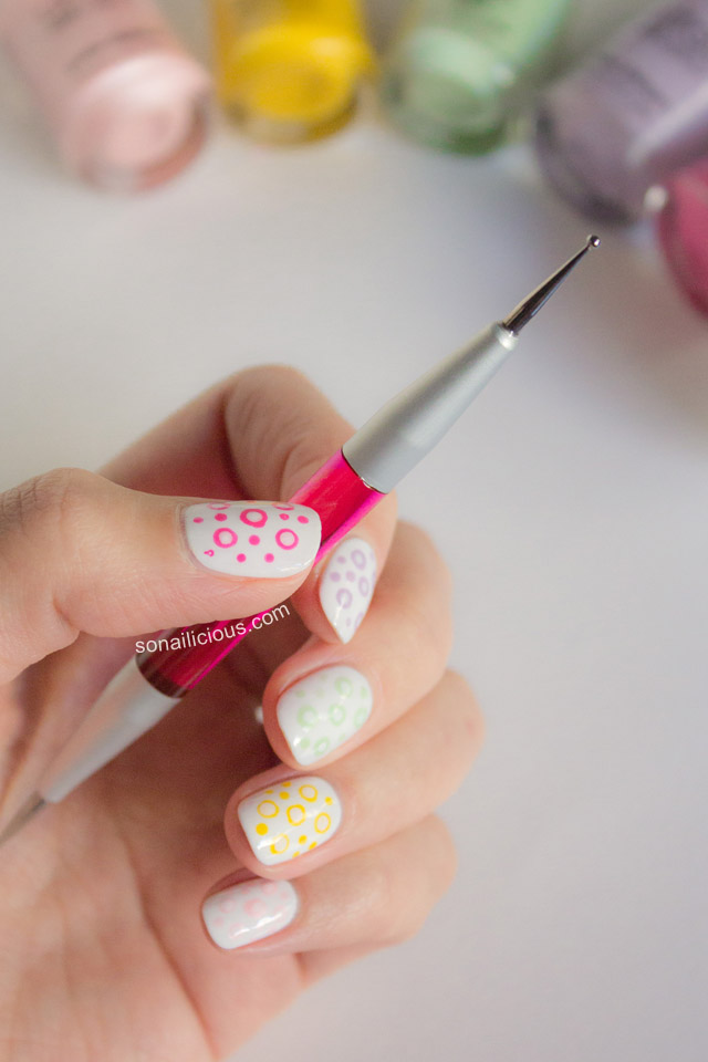 nail art with dotting tool