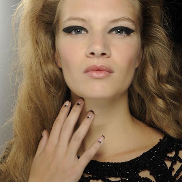 nail trends london fashion week sister-by-Sibling - SoNailicious