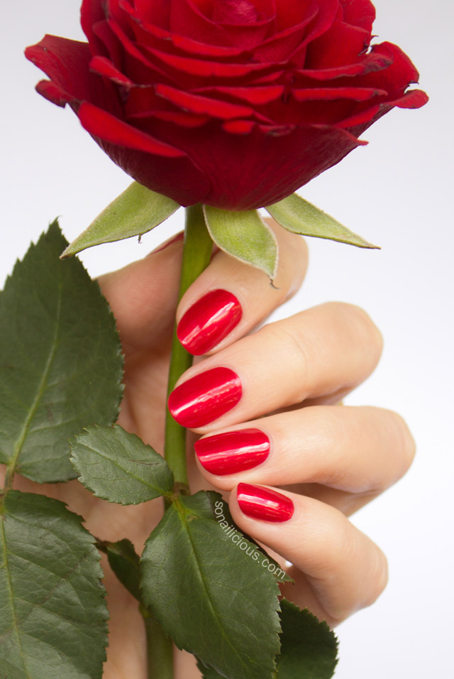 oval nail shape, red nails, oval nails,
