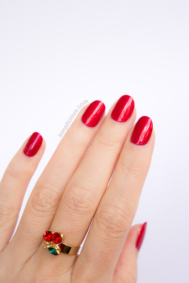 perfect red nails, oval shape nails
