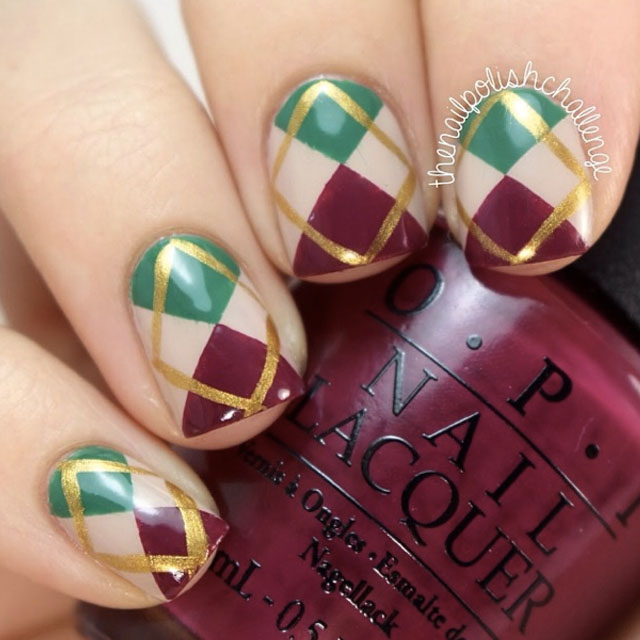 Christmas argyle nails by @thenailpolishchallenge