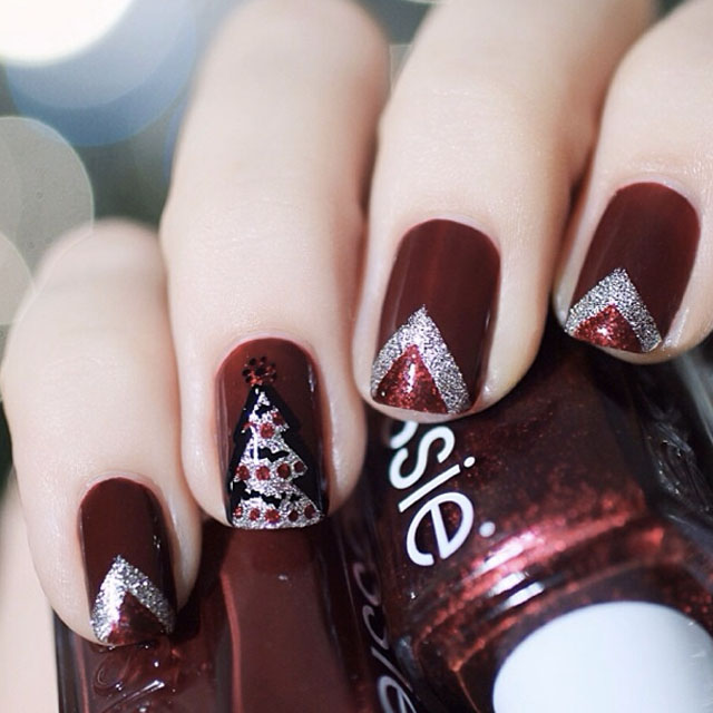 Christmas tree nails by @pshiiit_polish