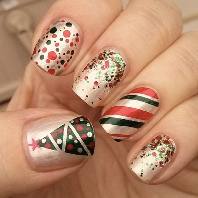 Green and red christmas nails by @swtandsxy8