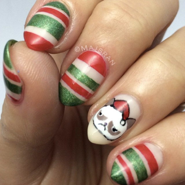 Grumpy cat christams nails by @majsran