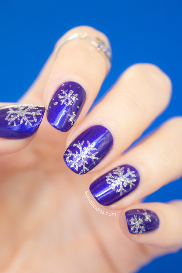 Snowflake nails tutorial snowflake nails tutorial prinsesfo Image collections