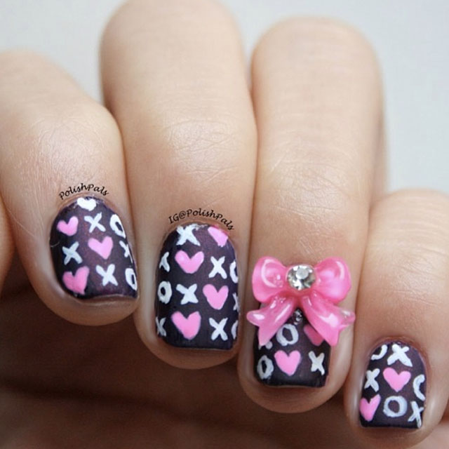 XOXO Valentines Day nails by @polishpals
