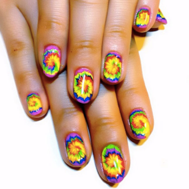 Psychedelic nails by @eichi_matsunaga