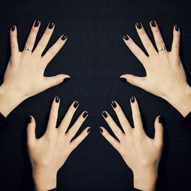 Short black nails
