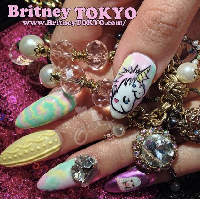Unikorn nails by @BritneyTokyo