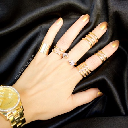 gold nails gold rings