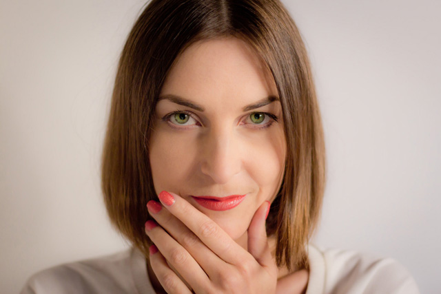 how to wear orange lipstick 1