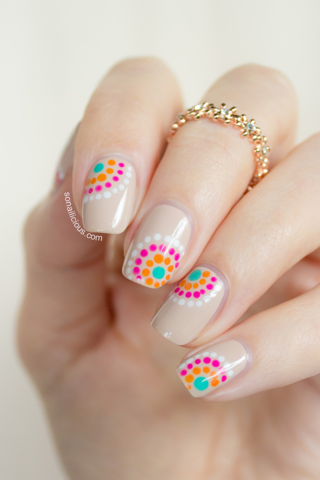 pretty summer nail design