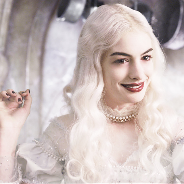Anne Hathaway as The White Queen - Alice in Wonderland, 2010