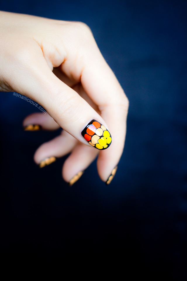 easy Halloween nails