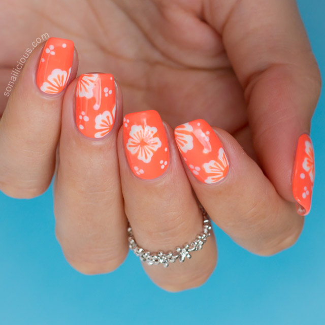 ... tutorial Hawaiian nail art - Hawaiian Flower Nail Art Tutorial