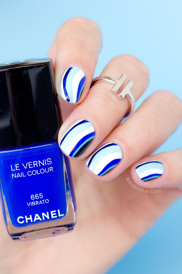 blue nails with chanel vibrato