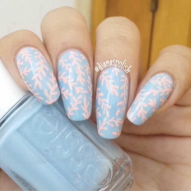 Coral print nails by @dianaspolish