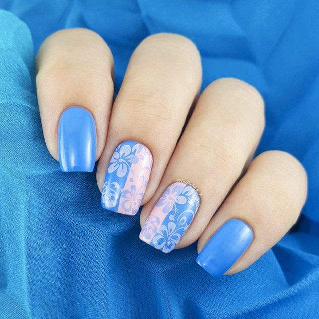 Delicate floral manicure by @ludochka_t - 20 Incredible Pink And Blue Nails [Pantone 2016 Round-Up]