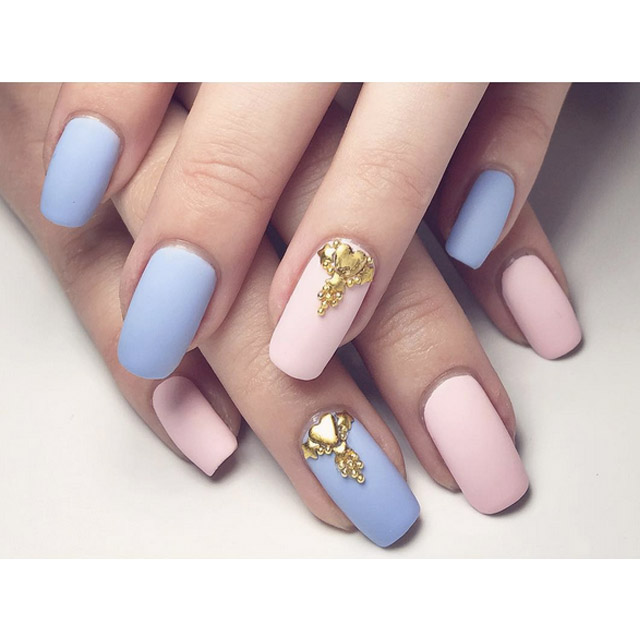 Elegant pink and blue nails by @themermaidpolish
