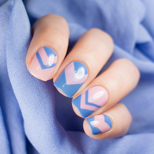 Geometric pink and blue nails by @super_gizmo