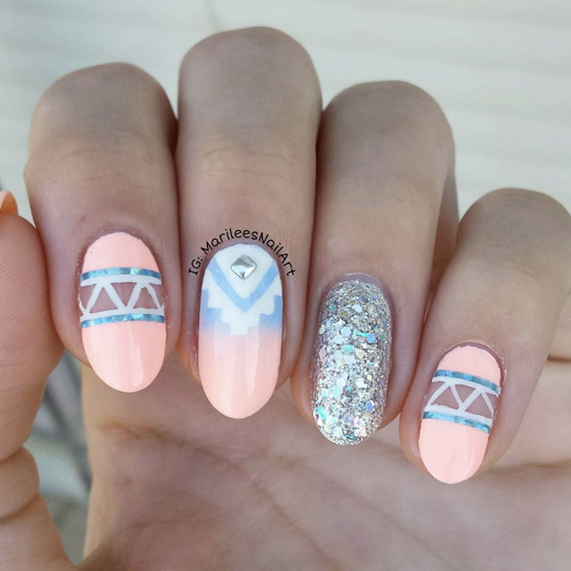 Negative Space Aztec nails by @marileesnailart