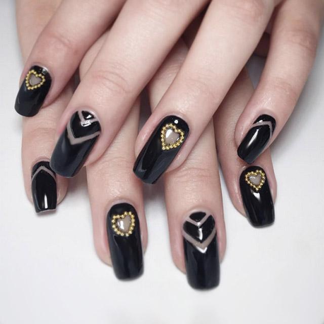 Black Valentine's nails by @themermaidpolish