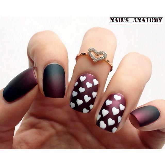 Gradient V-Day nails by @nailsanatomy