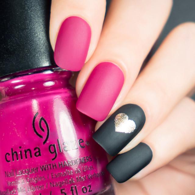 Elegant Valentine's Day nail design by @super_gizmo