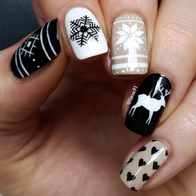 Christmas Sweater nails by Anja