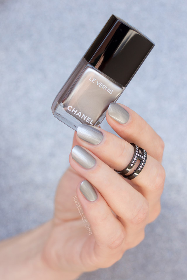 chanel liquid mirror swatch, chanel le vernis