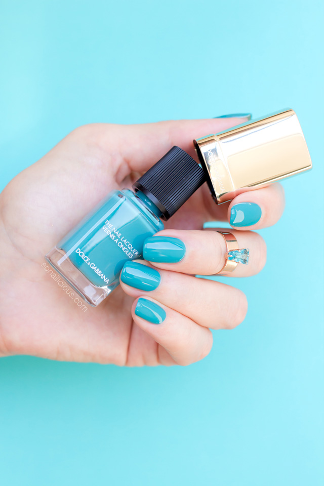 DOLCE GABBANA TURQUOISE NAIL POLISH SWATCH REVIEW