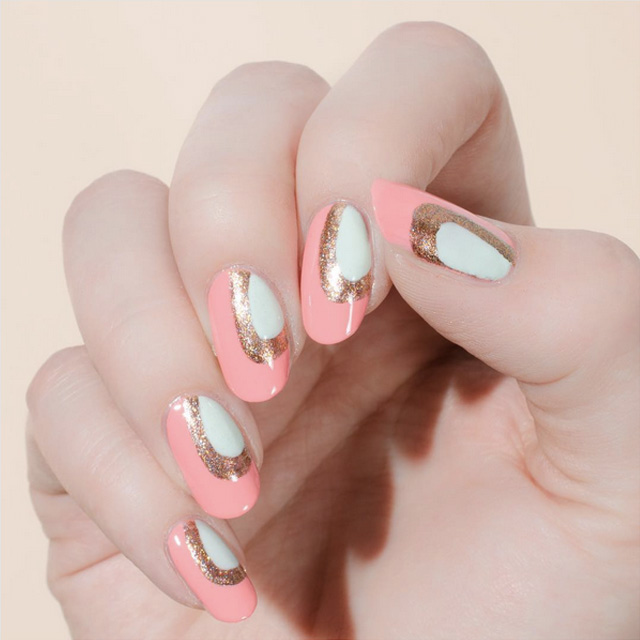 Delicate Valentine's Day nails by @CassMarieBeauty