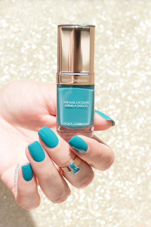 Dolce gabbana nail polish review, teal nails
