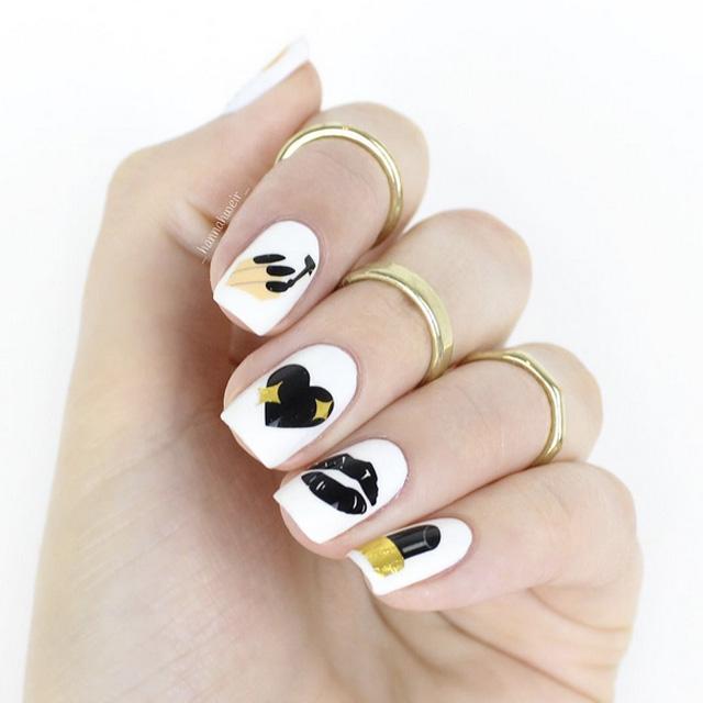 Emoji Valentines nails by @_hannahweir_