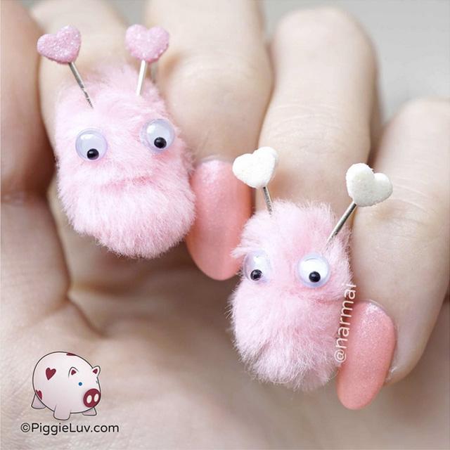 Love bugs manicure by @narmai