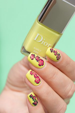 floral nail design, dior early swatch