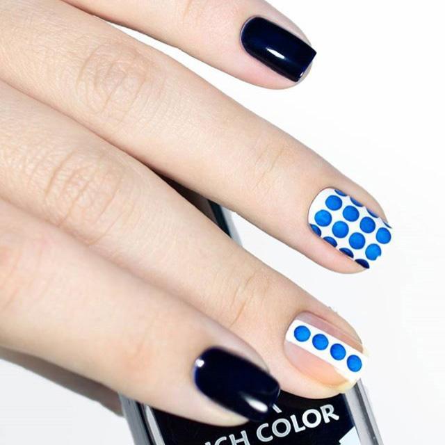 Polka dot nails by @ludochka_t, inspired by Gary Bigeni