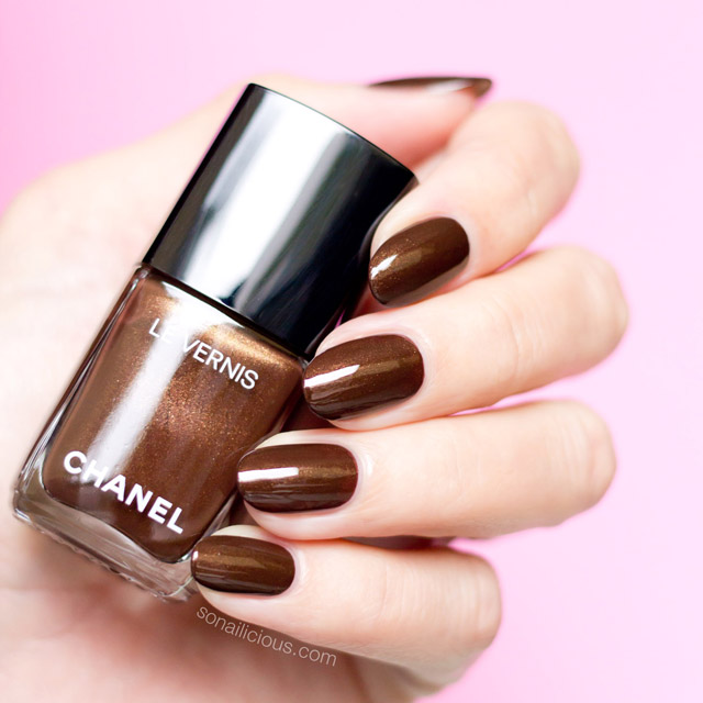 5 Stunning Dark Brown Nail Polishes That Are Perfect For Any Season