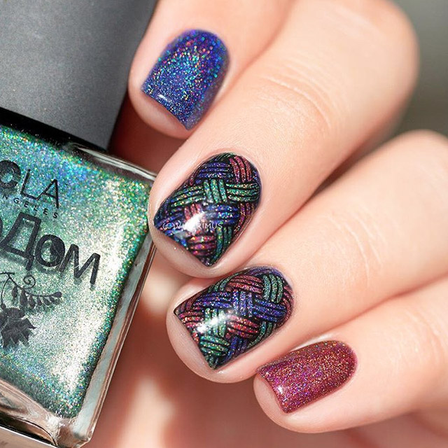 Holo Fall nails by @vicerimus