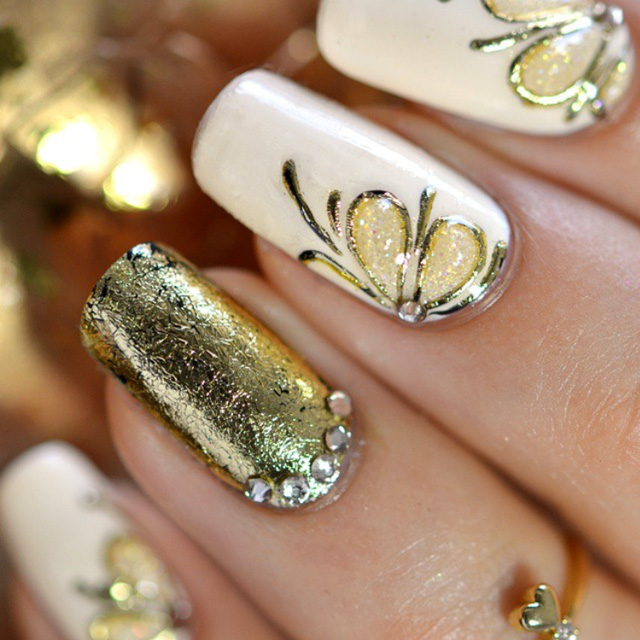 christmas nails, gold foil
