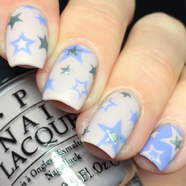 Starry nails by @nails4cocktails