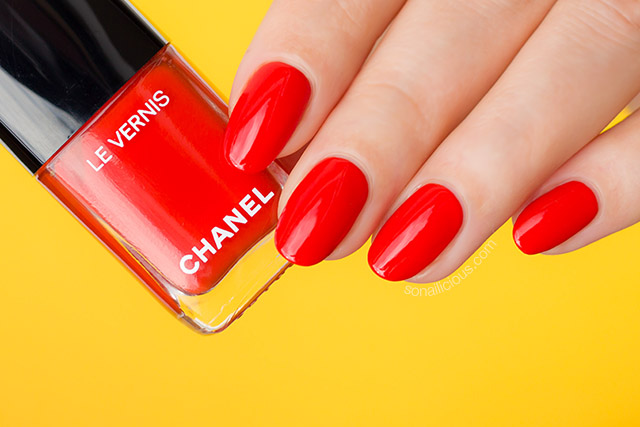 Chanel 634 Arancio Vibrante review, orange red nail polish