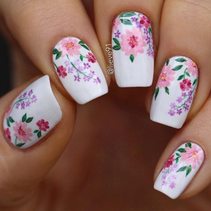 Spring Flower nail design by @lieve91