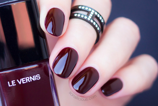 chanel rouge noir nail polish review