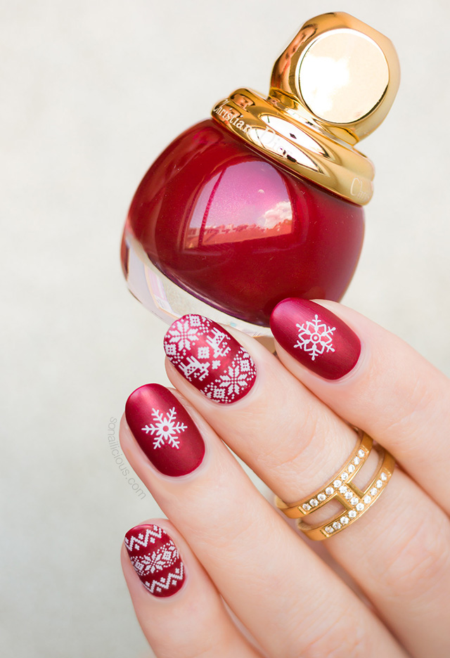 christmas nails with diorific triomphe